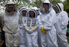 Guernsey bee keeper members 250409 ©RLLord 3244 smg