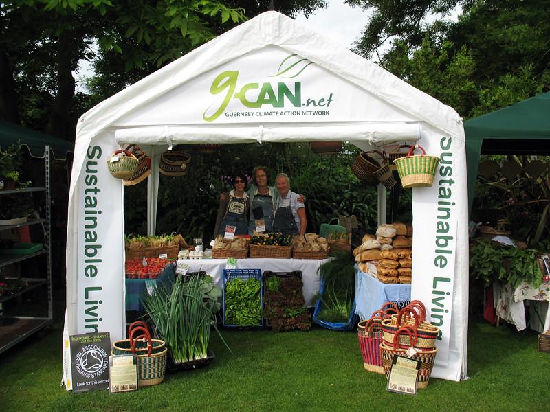 GCAN stall Farmers Market 140608 4988 smg