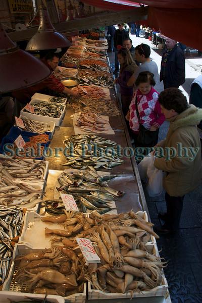 Siracusa fish market Sicily 010410 ©RLLord 1210 smg