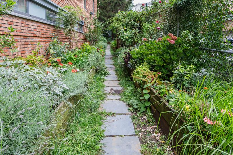Fishbridge Park Garden in Lower Manhattan, New York City