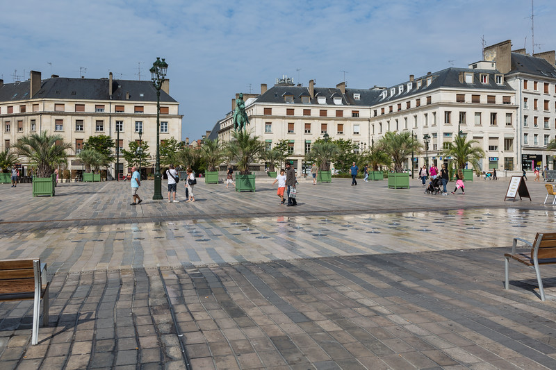 Orleans Place du Martroi pedestrianised square France 170815 ©RLLord 2431 smg