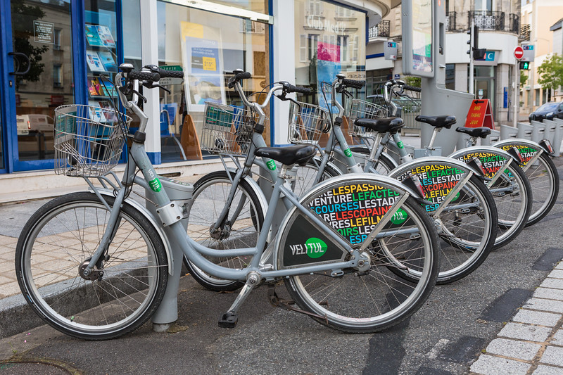 Velitul bicycle hire in Laval, France