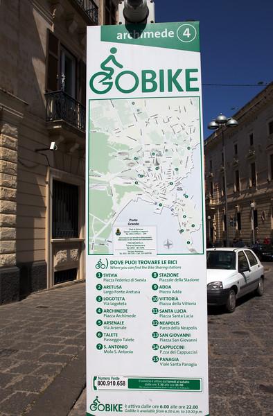 Siracusa Sicily Go Bike sign 310310 ©RLLord 1222 smg