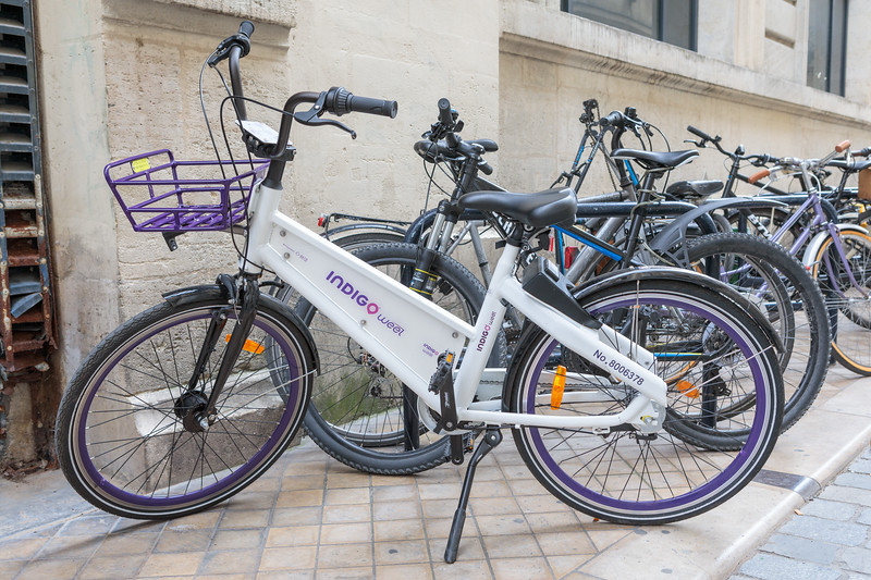 INDIGO weel dock-less bicycle for rent in Bordeaux, France