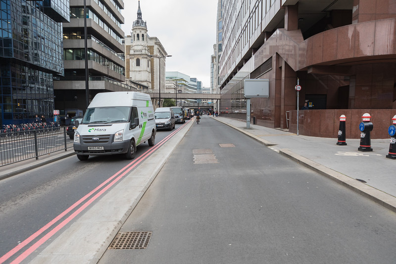 London Cycle Superhighway 3 looking west