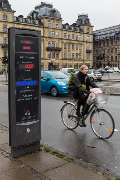 The bicycle counter on Queen Louise's Bridge, Copenhagen