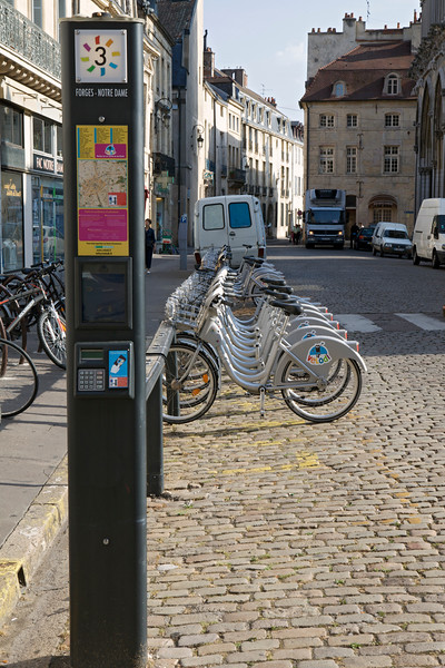 Dijon France bicycle sharing scheme Velodi 030813 ©RLLord 8529 smg