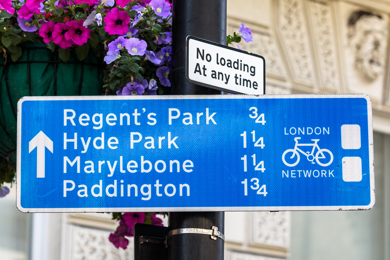 London Cycling route network road sign