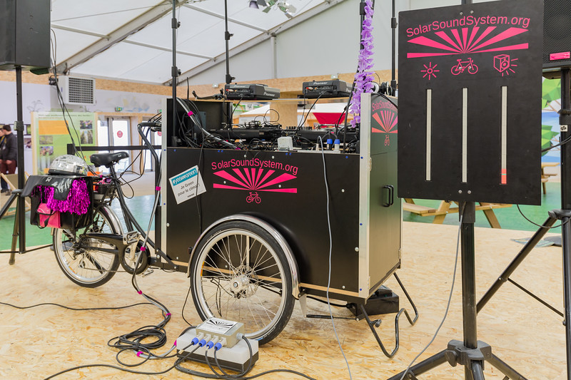 Sound system on a cargo trike at COP21