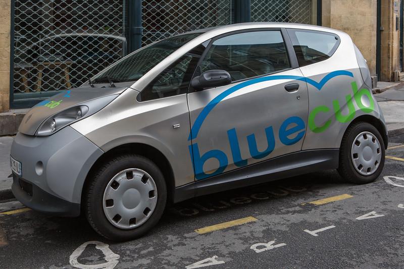 Bluecub bluecar electric car Bordeaux France 290715 ©RLLord 8845 smg