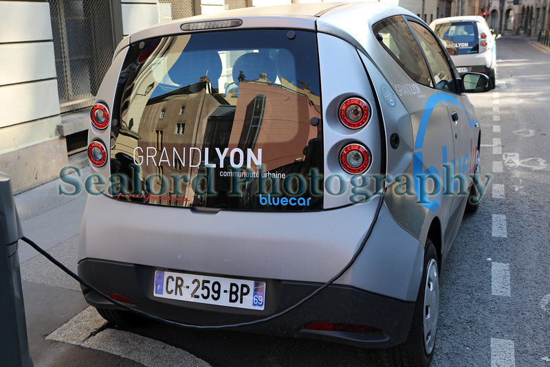 GrandLyon bluely electric car sharing scheme 050814 ©RLLord 6110 jg smg