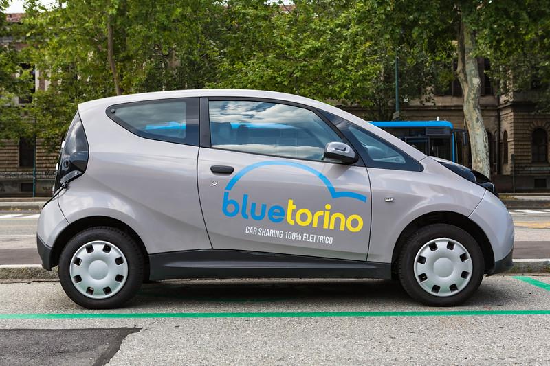 Blue Torino electric car sharing Turin Italy 290716 ©RLLord 7588 smg
