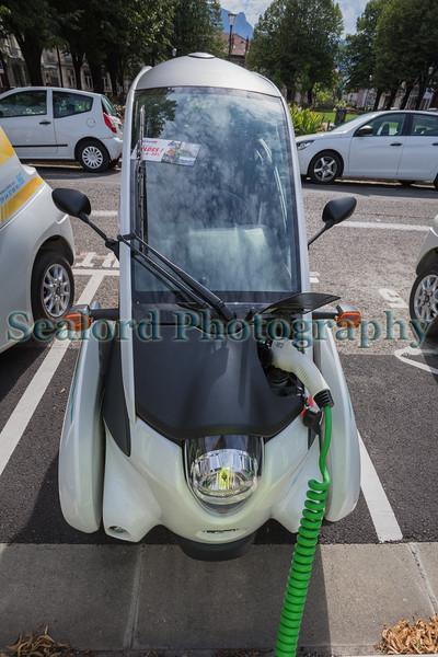Toyota i-road charging Grenoble France v   310715 ©RLLord 9583 smg
