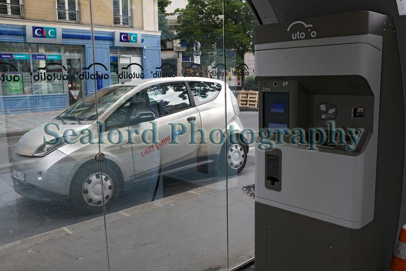 Auto lib car sharing scheme Paris 130813 ©RLLord 0197 smg