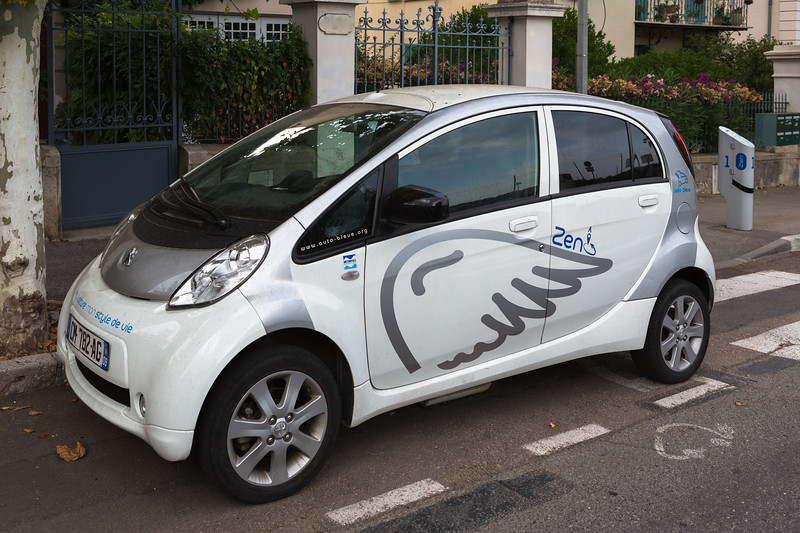 Auto Bleue electric car sharing service operates in the Nice metropolitan area