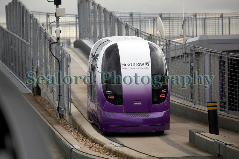 Electric Heathrow Pod on track 080812 ©RLLord 9048 smg