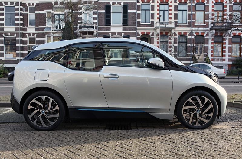 BMW i3 electric car Nijmegen 311213 ©RLLord 7192 smg