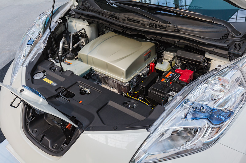 Nissan Leaf electric motor 101215 ©RLLord 0345 smg