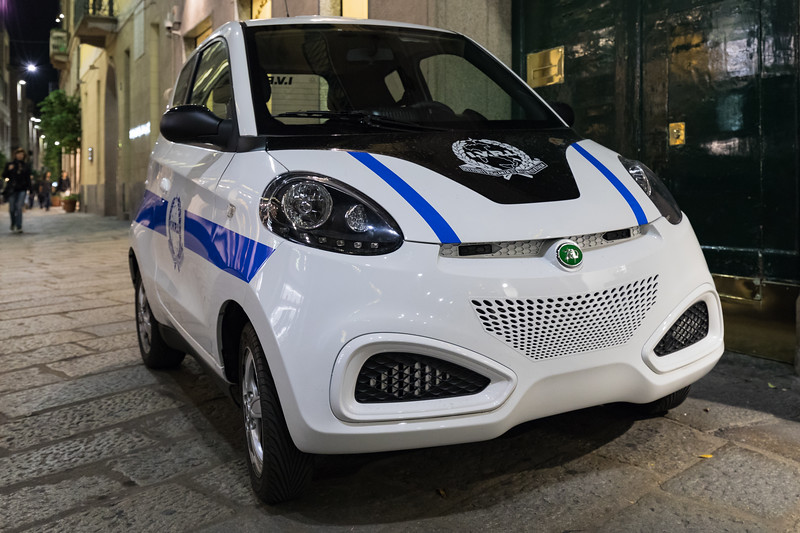 ZD electric car used by IVRI in Via Della Spiga, Milan