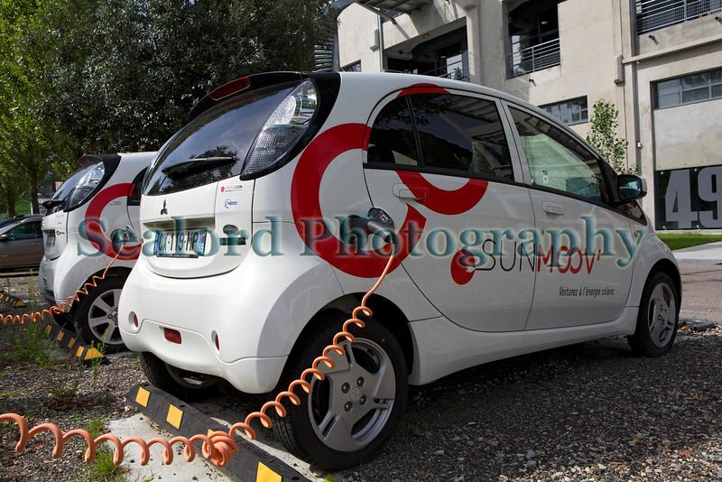 Lyon ecocity Sunmoov electric car sharing charging 060814 ©RLLord 6345 smg