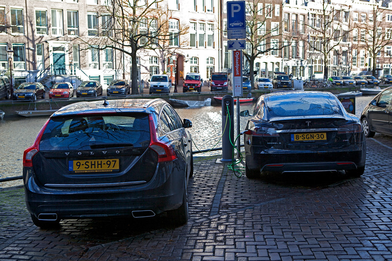 Volvo plug-in  hybrid Tesla electric car charging Amsterdam 060114 ©RLLord 7831 smg