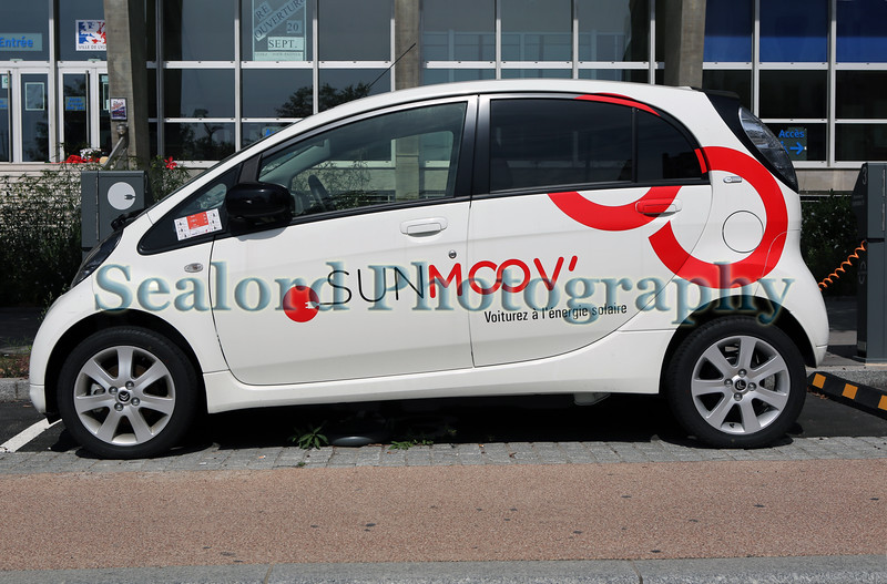 Sunmoov electric car sharing in Lyon, France
