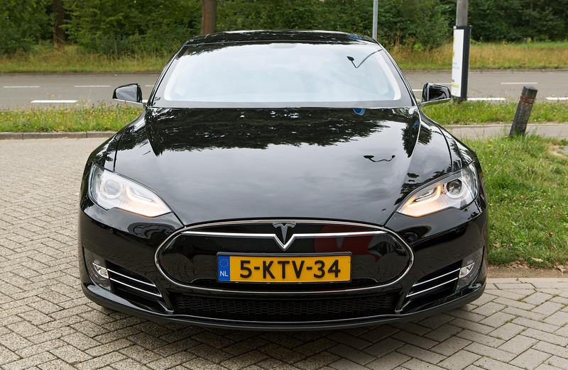 Tesla Model S Eindhoven Netherlands 120813 ©RLLord 9897 smg