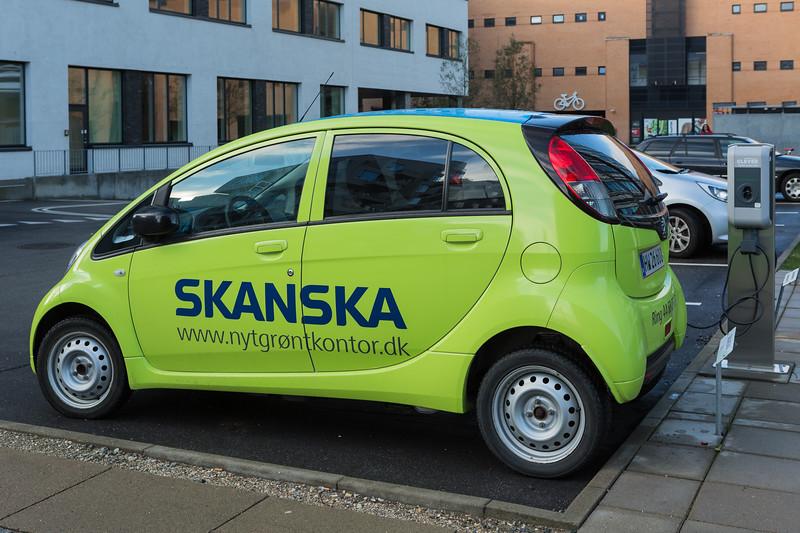 Peugeot iOn Skanska Copenhagen 261115 ©RLLord 7428 smg
