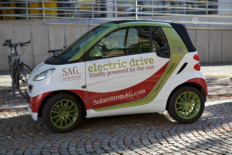 electric Smart car Freiburg 040813 ©RLLord 9044 smg