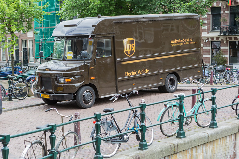 UPS electric delivery truck Amsterdam 050816 ©RLLord 8619 smg