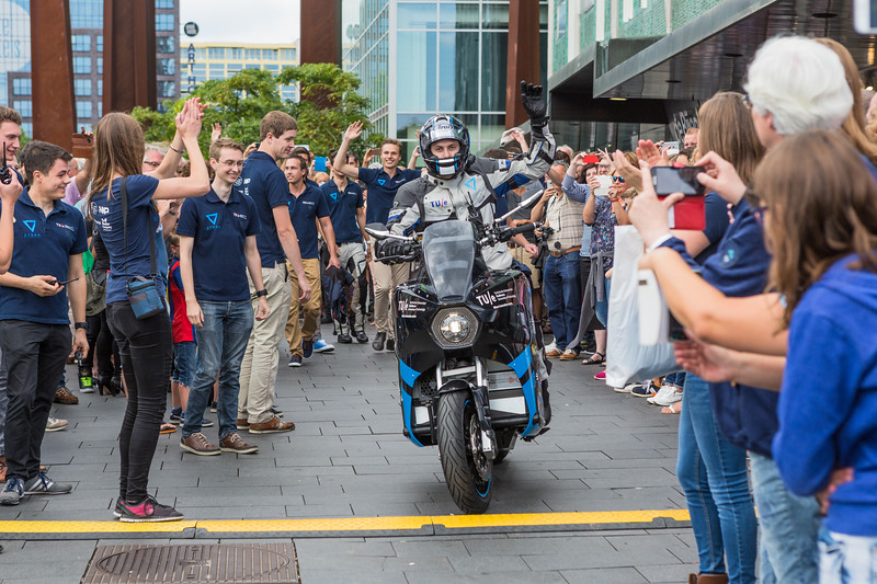 Storm Eindhoven electric touring motorcycle departure 140816 ©RLLord 9913 smg