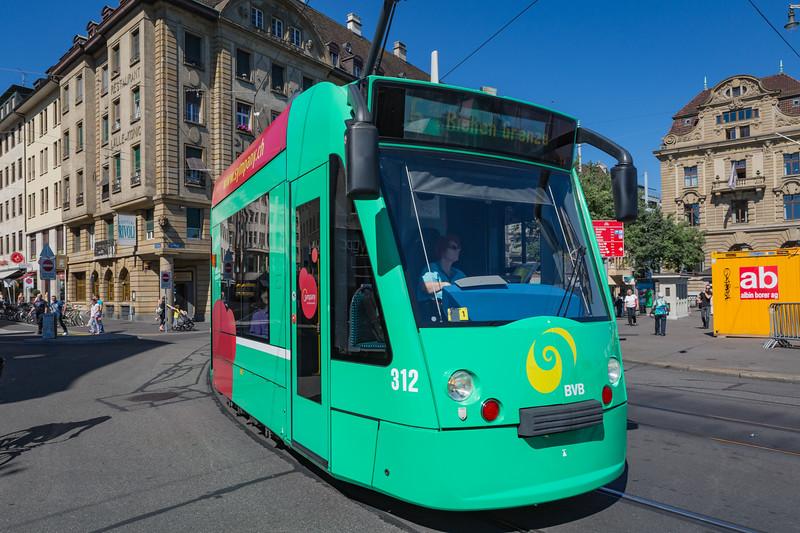 Basler Verkehrs-Betriebe BVB line 6 Basel tramway Switzerland 030815 ©RLLord 0306 smg