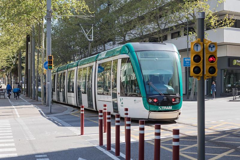 A Barcelona tram operating along  Avinguda Diagonal