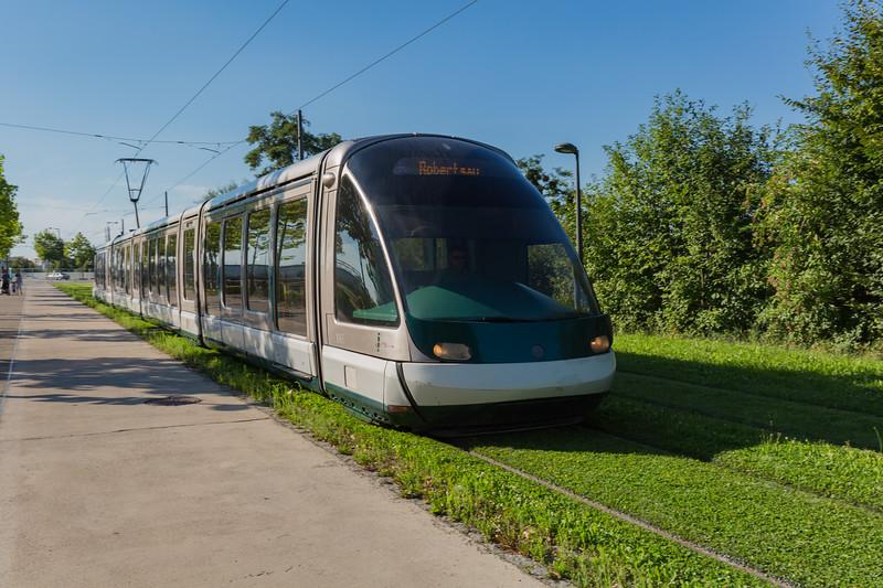 Tramway de Strasbourg 1065 France 030815 ©RLLord 0484 smg