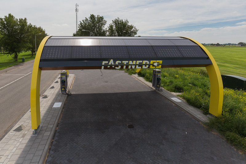 FastNED charging station Netherlands 100815 ©RLLord 1722 smg