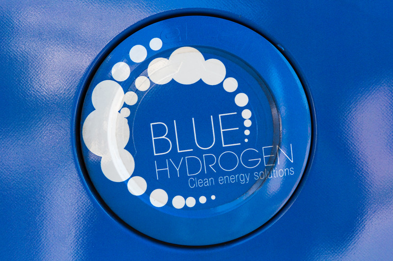 Hyundai ix35 hydrogen fuel cap Paris 150816 ©RLLord 0188 smg