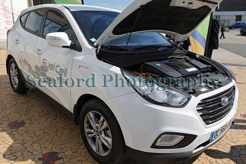 Hyundai ix35 hydrogen fuel cell powered vehicle