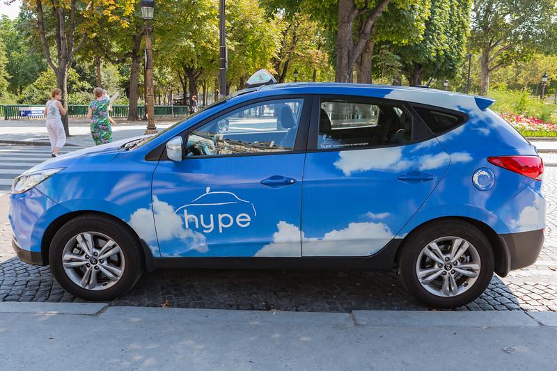 Hyundai ix35 Hype hydrogen fuel cell taxi in Paris