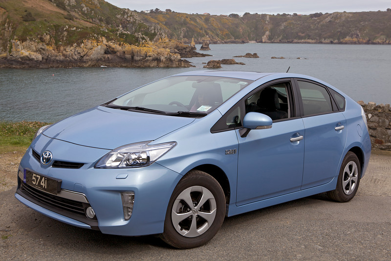Toyota plug-in hybrid Saints Bay St Martin Guernsey 220413 ©RLLord 7628 smg