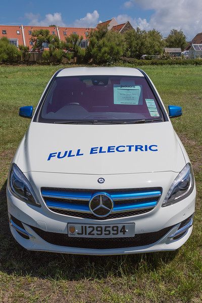 Mercedes Benz B Class electric drive Guernsey electric vehicle open day 250616 ©RLLord 3876 smg