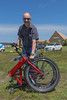 Sean Fuller carrying Sun Yacht electric bike 250616 ©RLLord 3904 smg