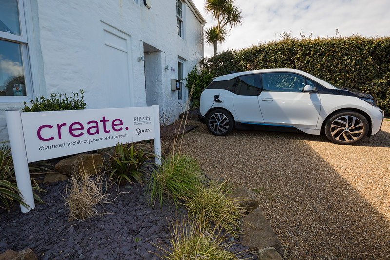 BMW i3 charging outside Create architects 270416 ©RLLord 0739 smg