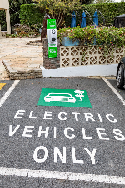 Hotel de Havelet, St Peter Port, Guernsey electric vehicle charging station