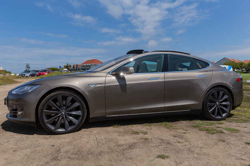 Tesla S P85 D Guernsey electric car show 250616 ©RLLord 3818 smg