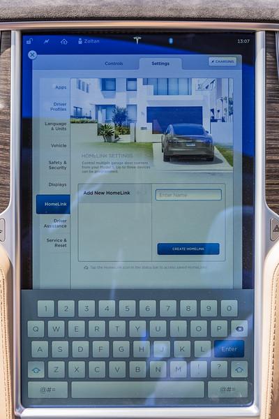 Telsa S P85 D display pad 250616 ©RLLord 3852 smg