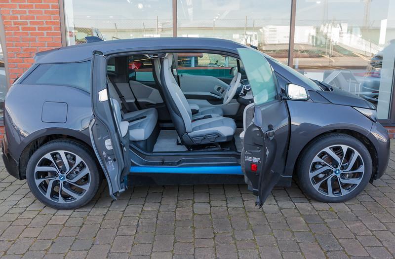 BMW i3 at Motor Mall Jackson's car dealership 080314 ©RLLord  smg