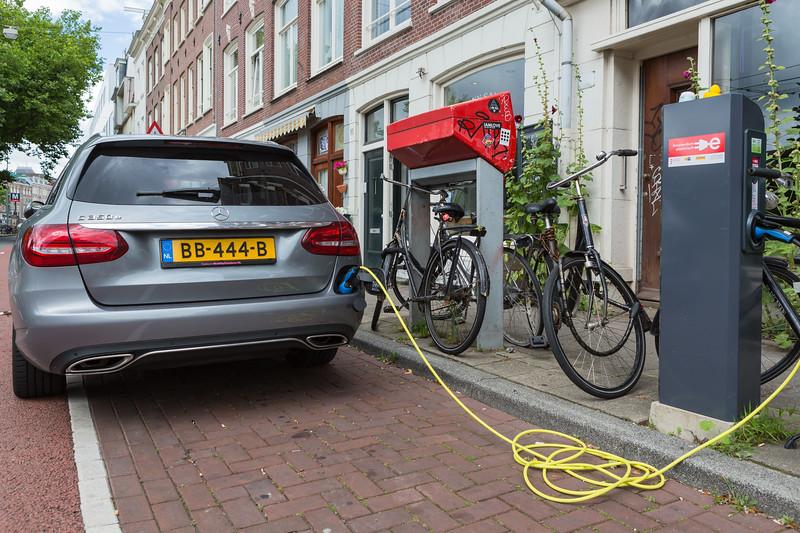 Mercedes C350e plug-in hybrid electric car Amsterdam 050816 ©RLLord  smg