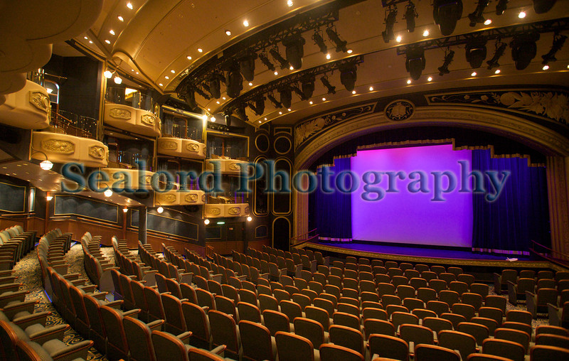 Queen Elizabeth cruise line theatre 110911 ©RLLord 0658 smg