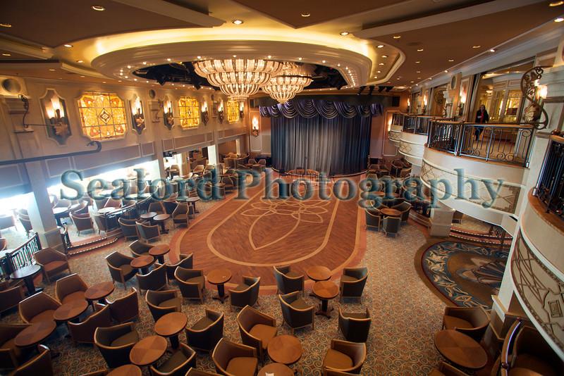 Queen Elizabeth ballroom 110911 ©RLLord 0664 smg