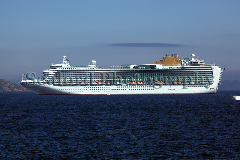 Ventura cruise ship Little Russel 110610 ©RLLord 9884 smg